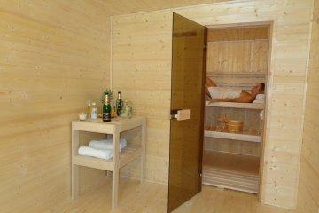 Sauna 5,7 x 2,5 m + Gerätehaus 2,41 x 2,47 m - Prag