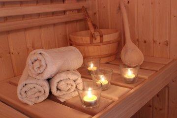 Sauna 4x2,5m + Gerätehäuschen 1,7x2,5m - Pardubice