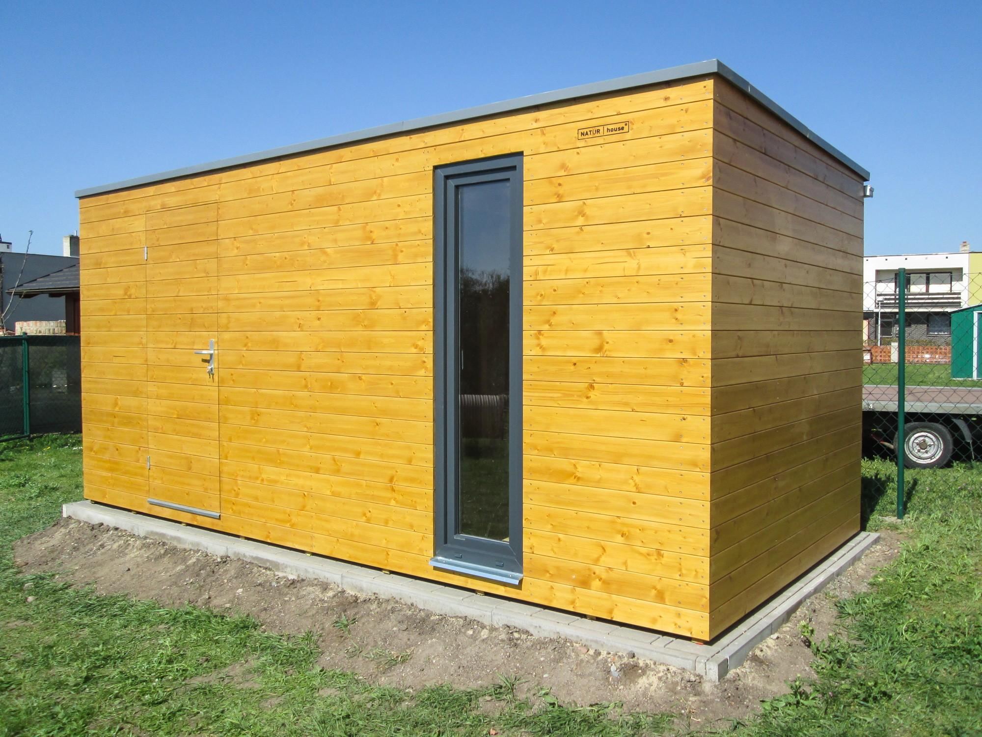 Geratehaus Mit Dem Flachdach Cejc Referenzen Naturhouse