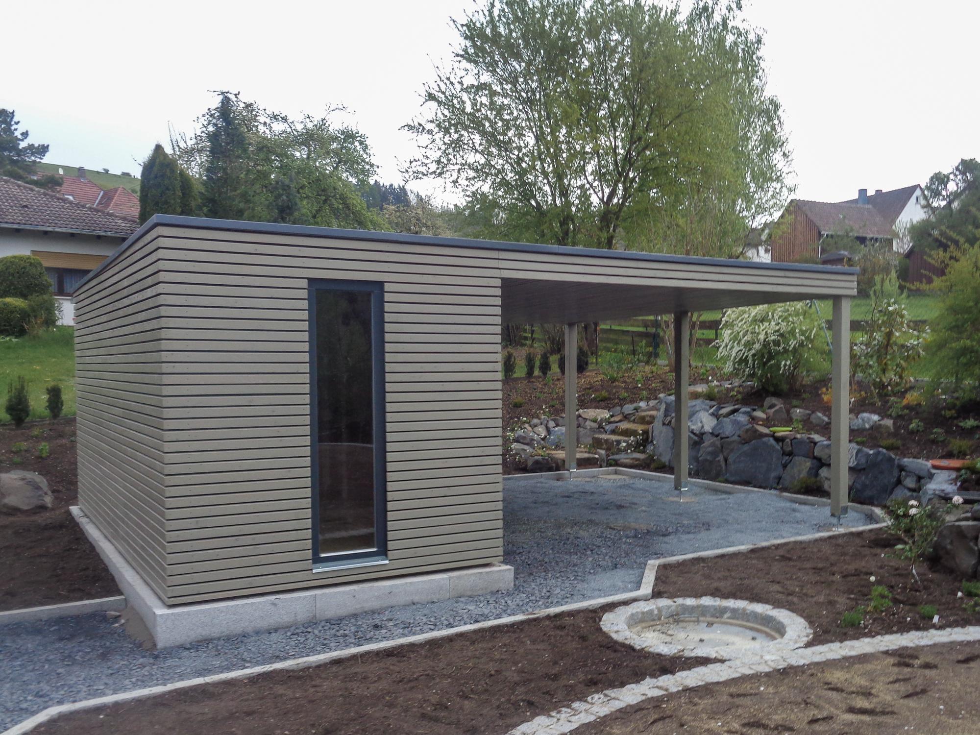 Gartenhaus 5x2,5 m + Vordach - Rödental - Referenzen NATURHOUSE ...